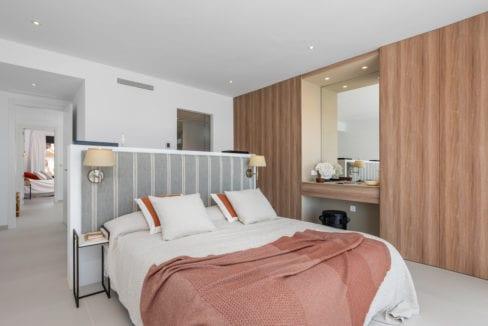 44 - Venecia III - 3rd Bedroom suite 1
